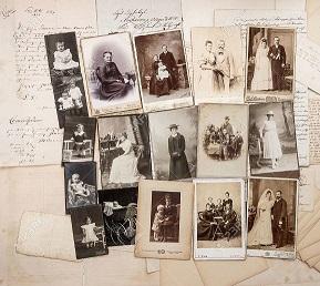 24276086-vieilles-lettres-et-photos-de-famille-anciennes-parents-grand-père-grand-mère-les-enfants-des-images-nos